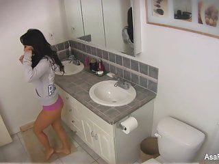 Аса акира домашний эпизод игры в ванне